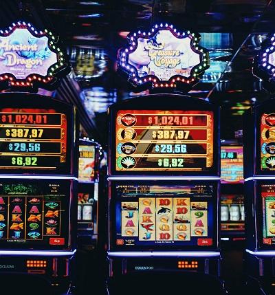 Enarmad bandit Tävlingar casino sida