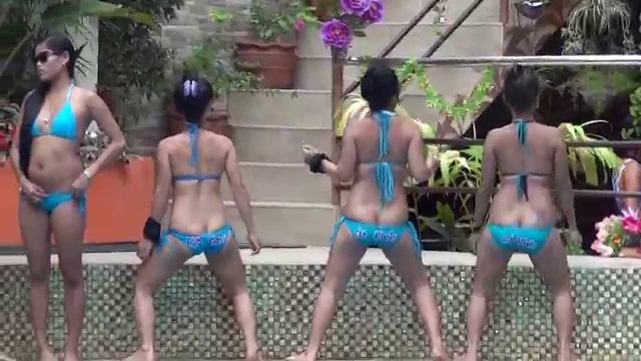Casino klädkod bikini party hero